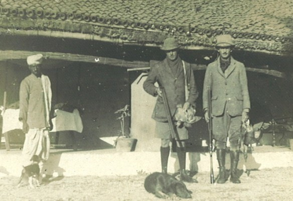 close up of Reggie and Theo - Nov 1914, Munjoul, India